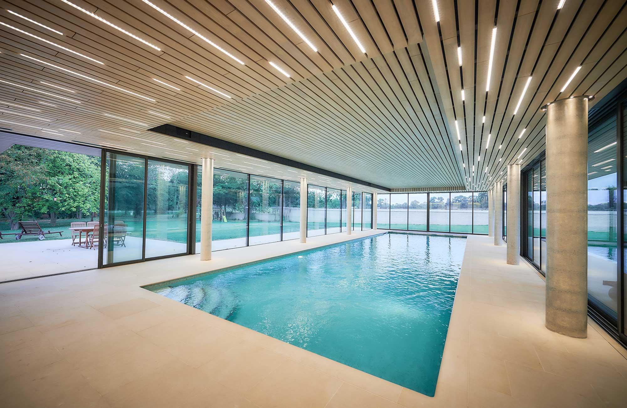 Caen piscine terrasse piscine molitor caen velux inoui for Piscine privee rennes